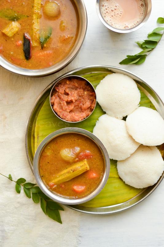 Udupi sambar with idli and tomato chutney